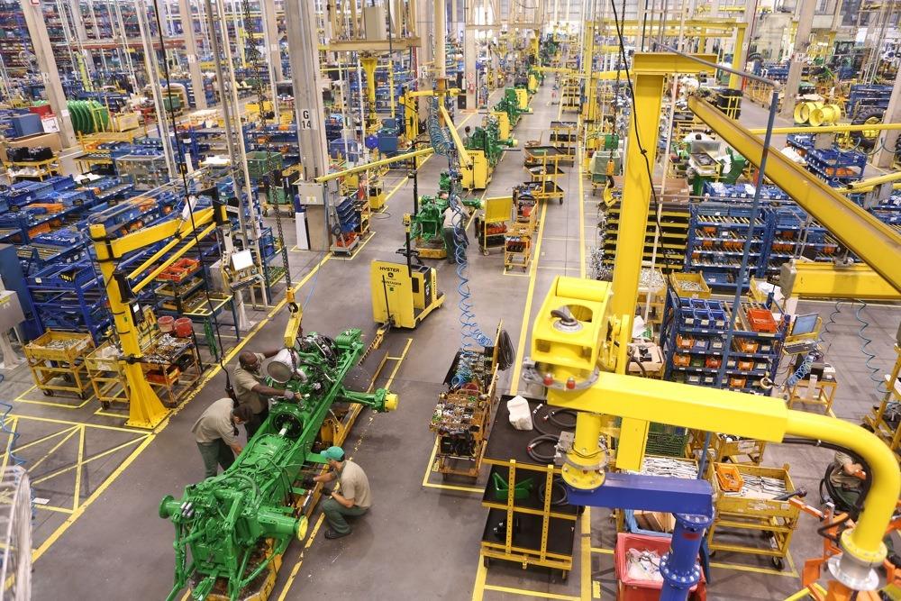 John Deere reforça inovação para acelerar eficiência das fábricas.